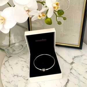 Limited Edition Genuine Pandora bracelet 19 cm